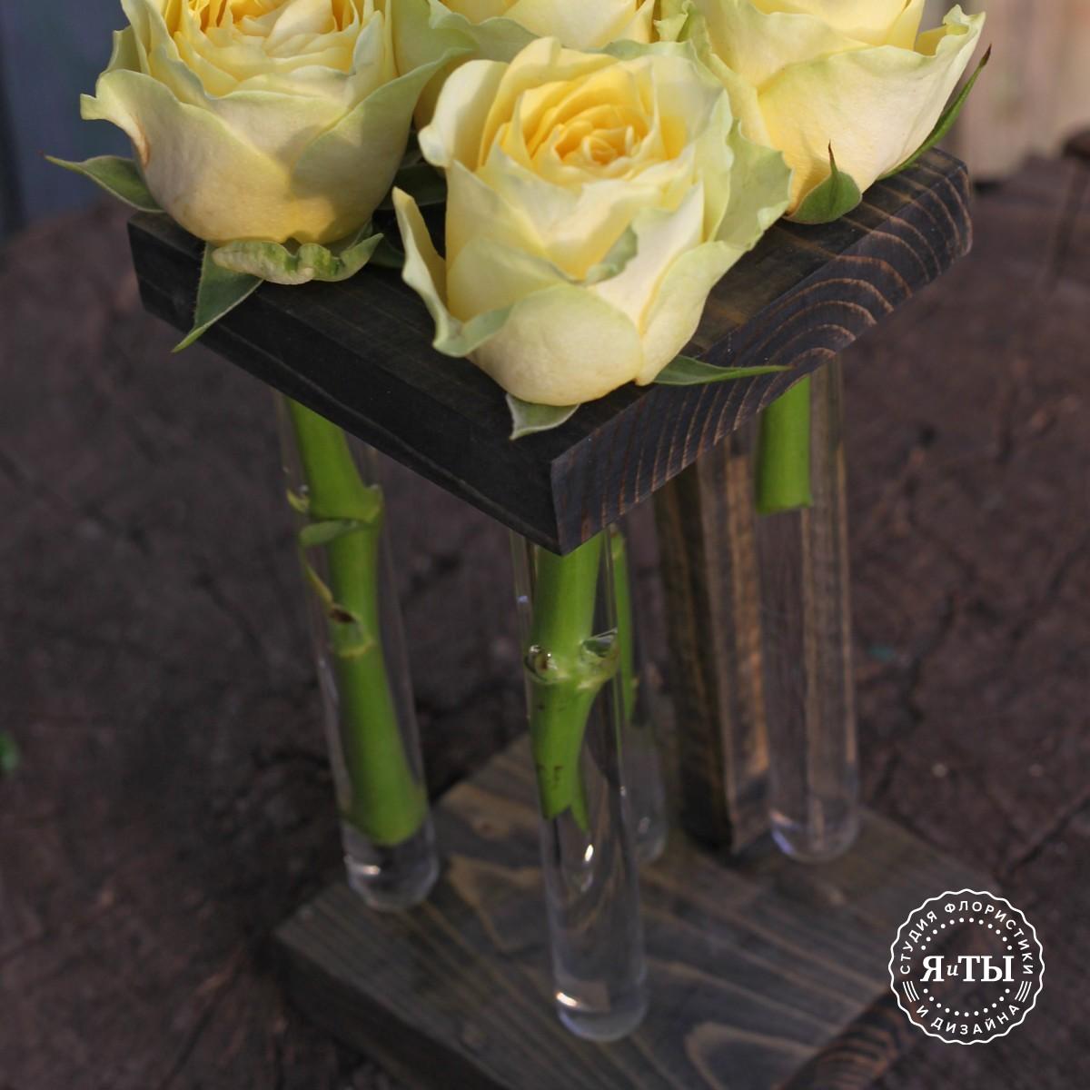 Розы в колбах (5 штук)
