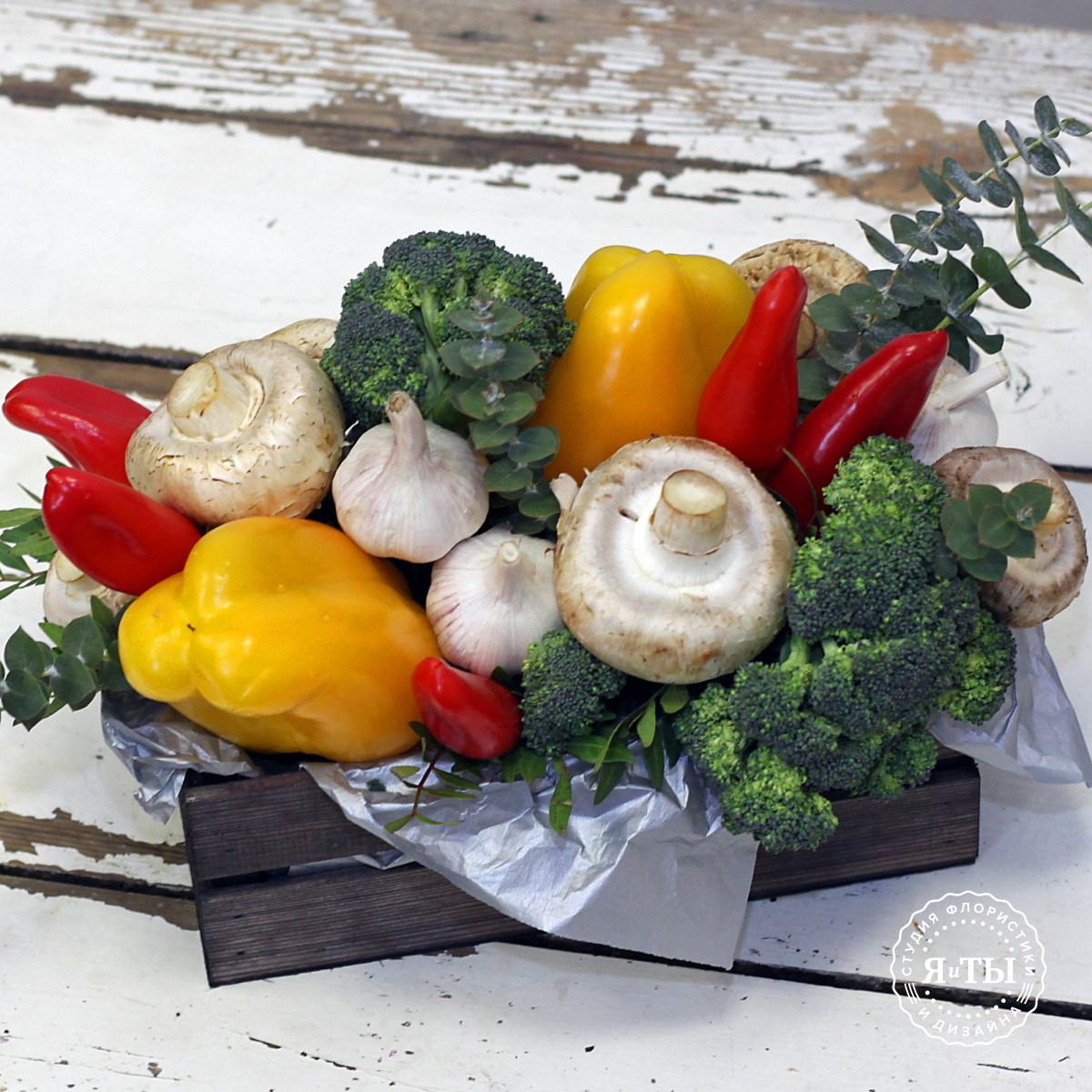 Овощная композиция с перцами и брокколи