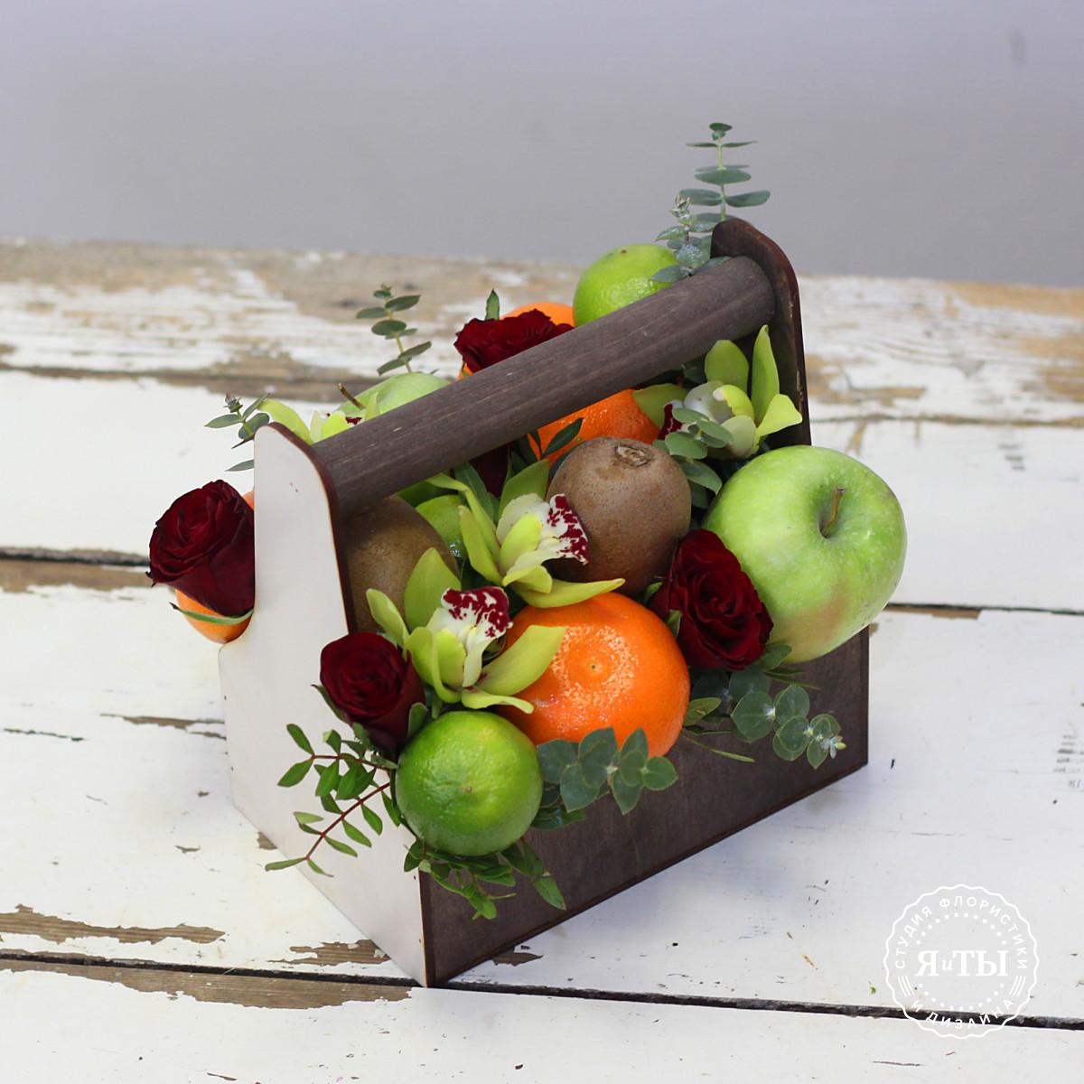Фруктово - цветочный ящичек с мандаринами