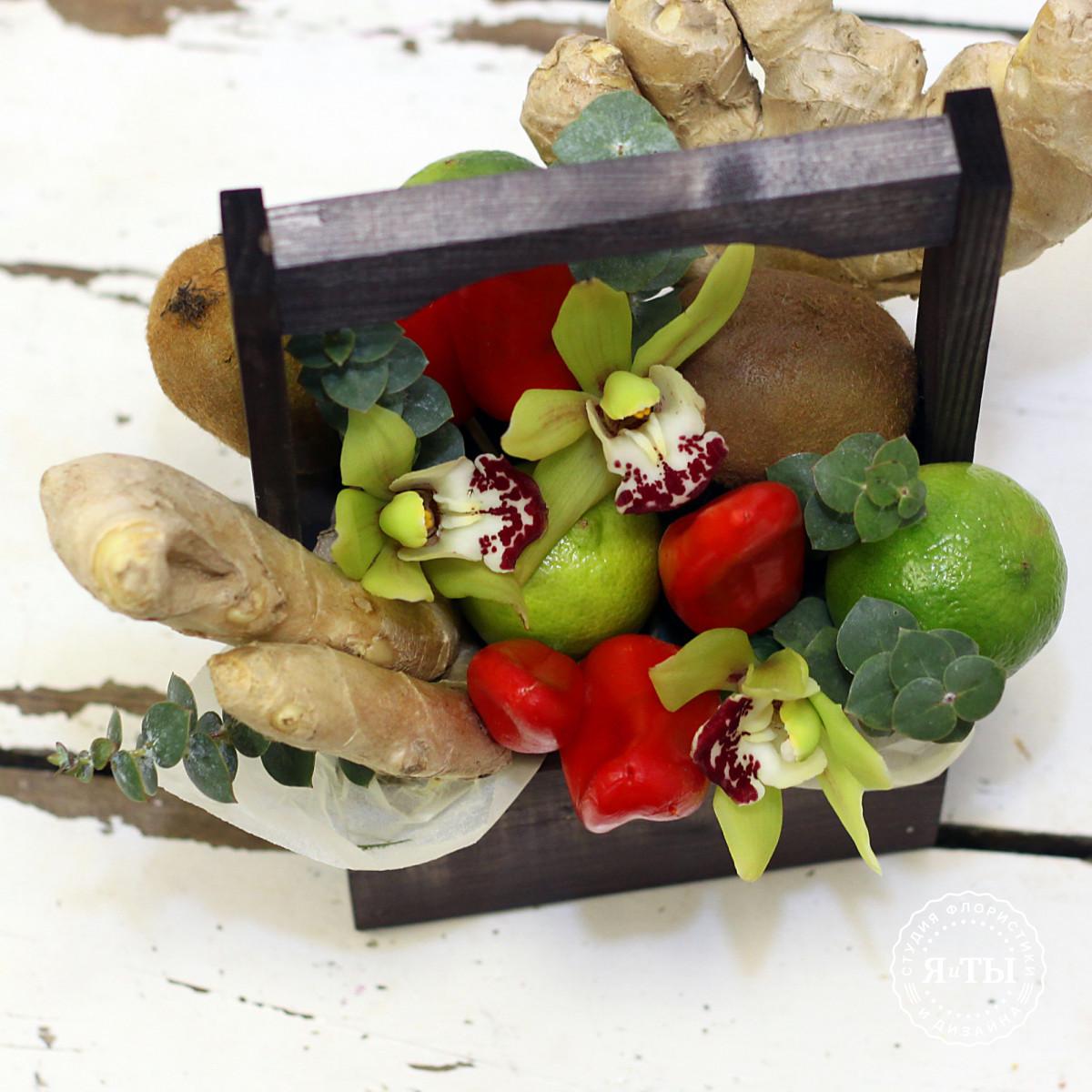 Фруктово - овощной ящичек с орхидеями