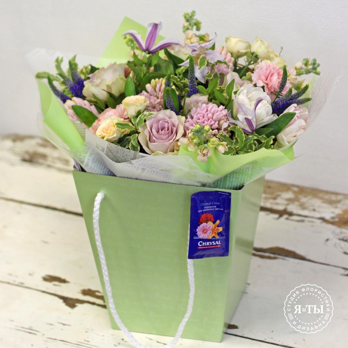 Нежнейший ароматный весенний букет с гиацинтами