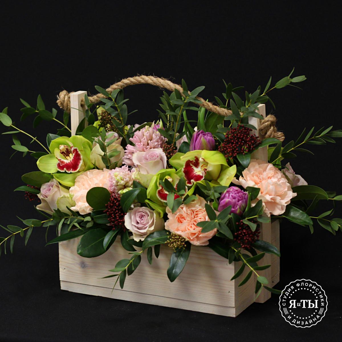 Ароматная композиция с гиацинтами и орхидеями