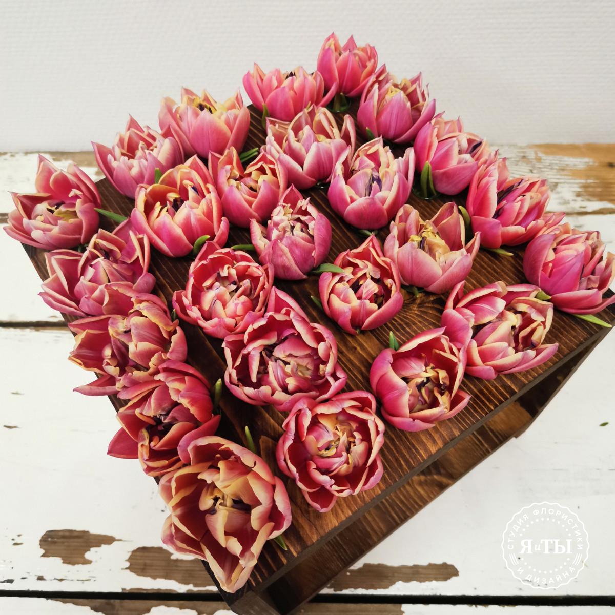 Тюльпаны в колбах (25 штук)