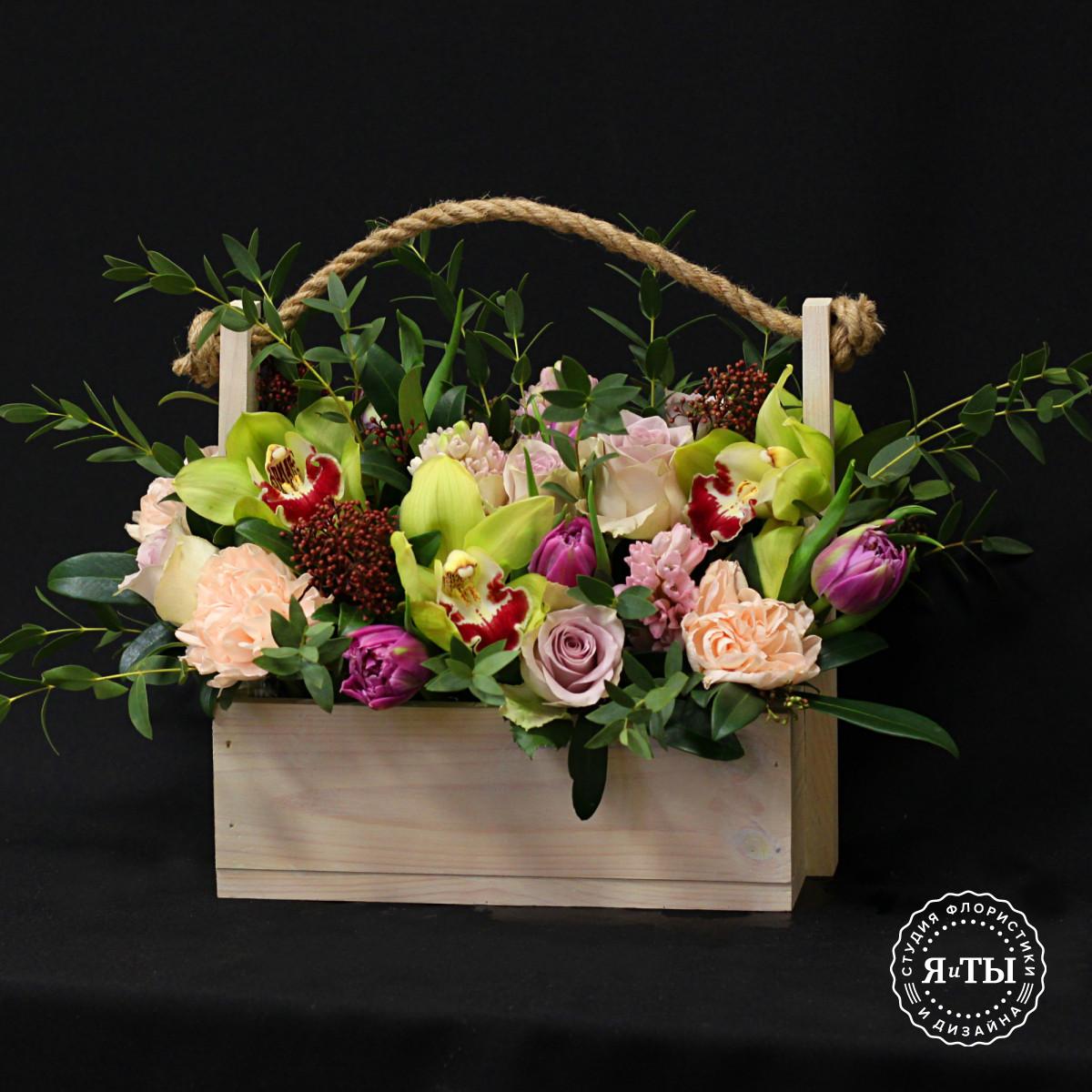 Нежная композиция с тюльпанами и гиацинтами