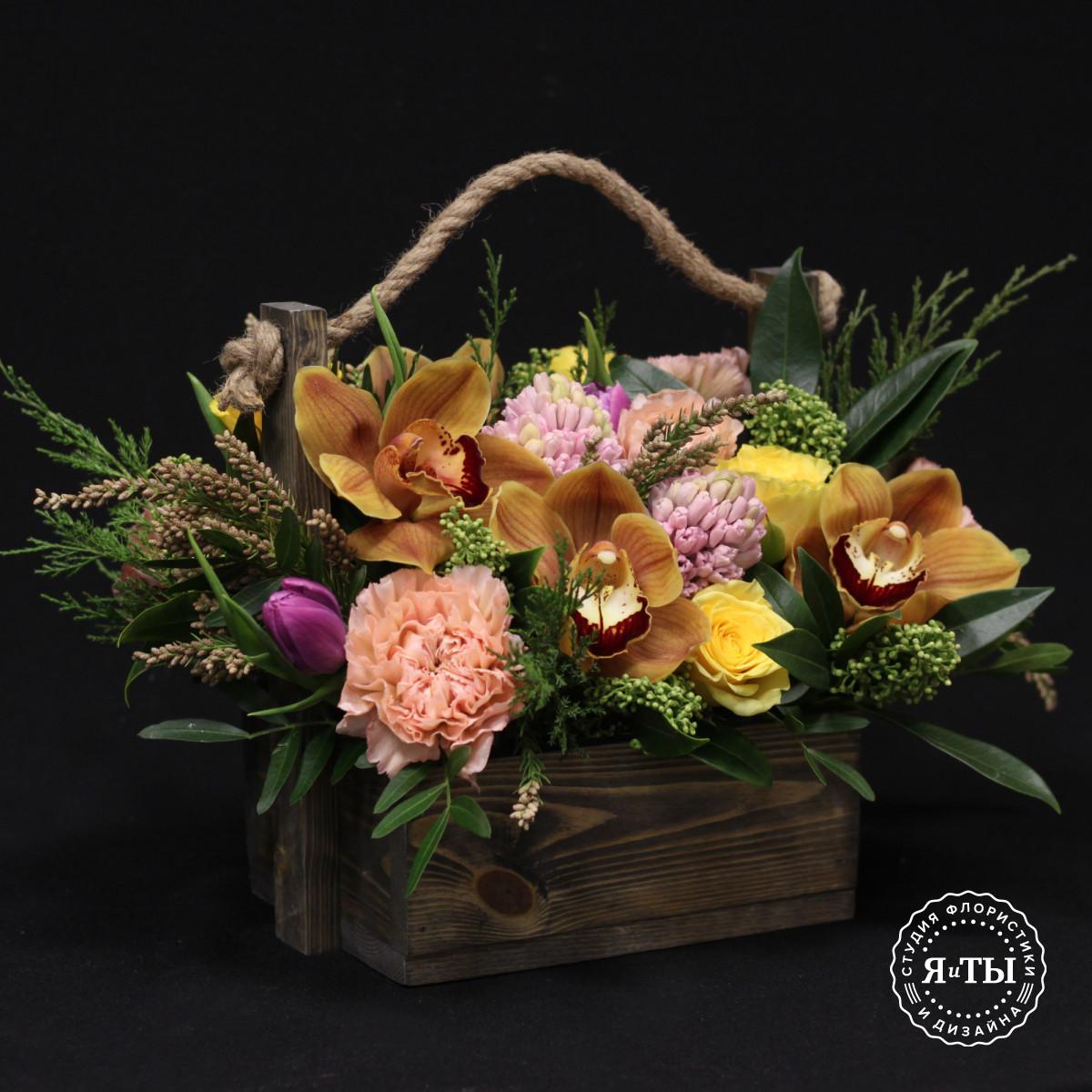 Ароматный ящичек с гиацинтами и орхидеями